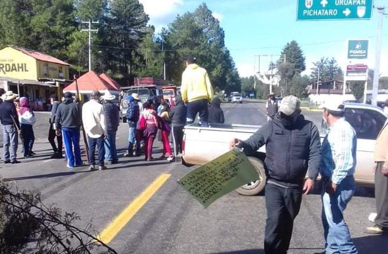 bloqueo carretera indigenas